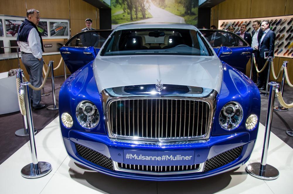 2017-Bentley-Mulsanne-EWB-front-end-1.jpg