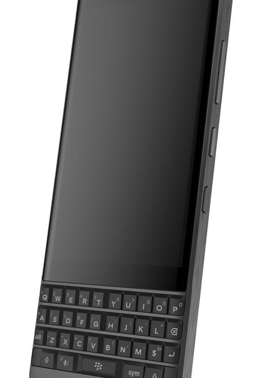 blackberry-athena-2-700x1000.jpg