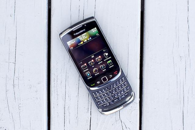 BlackBerry Torch 9800 обзор смартфона