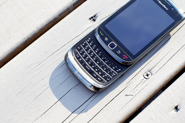 функции телефона BlackBerry 9800