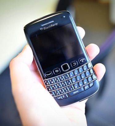 http://www.blackberrys.ru/upload/2011/12/blackberry-bold-9790-hands-on.jpg