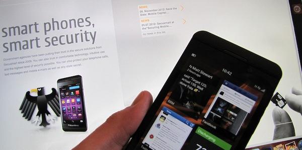 Blackberry z10 vs nokia lumia 920 видео сравнение
