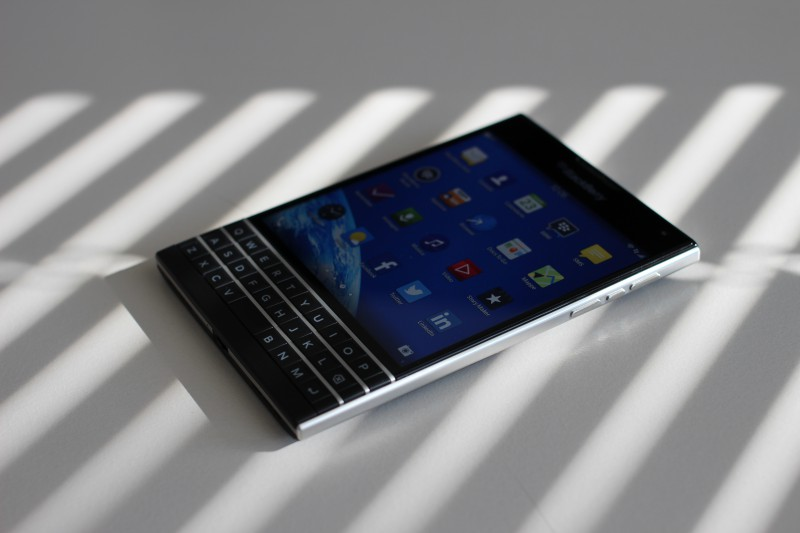 BlackBerry Passport preview 1