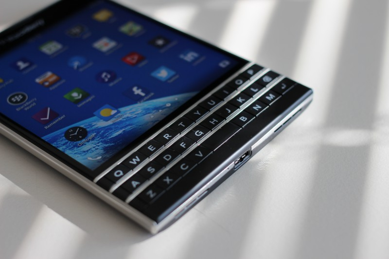 BlackBerry Passport preview 3