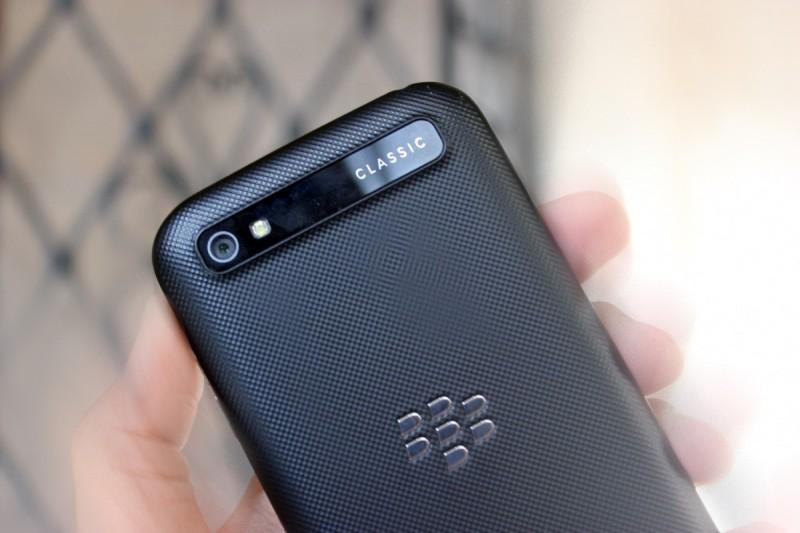blackberryclassic 02