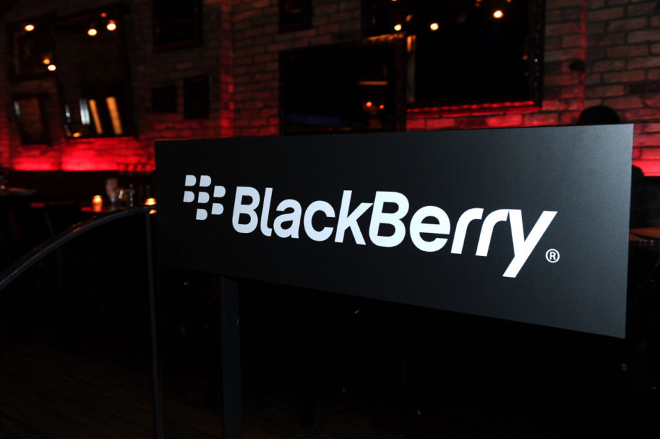 Smartphone BlackBerry KEY3 can not leave this year | Economics